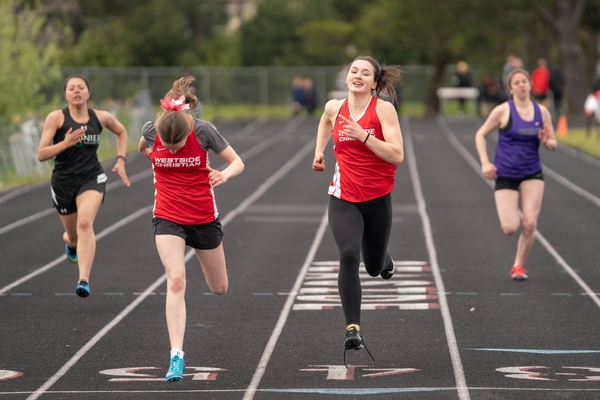Track and Field athlete Eagles leading the race